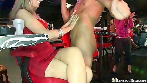 Chicks loving shaft and deep throating dancing bears cock