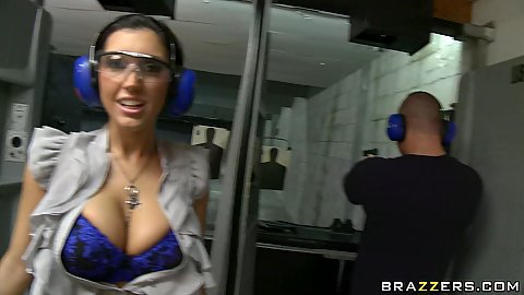 Big tits Dylan Ryder takes us to a shooting range