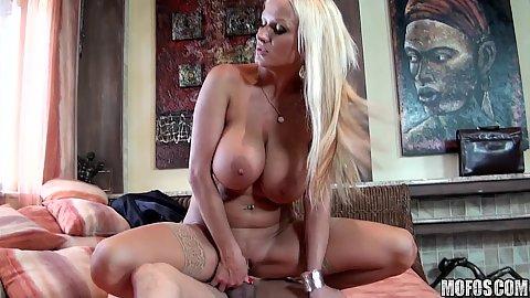 Blonde slut housewife doing reverse cow girl jump