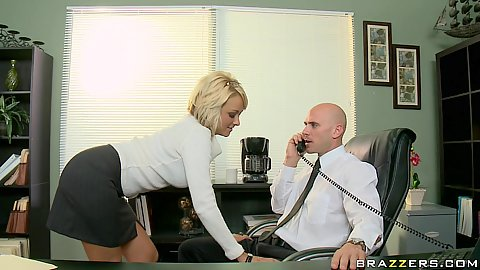Big tits at work with Briana going for training