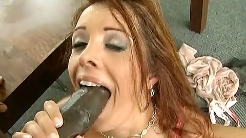 Hot milf gets a nice moutful of cum from a big black cock