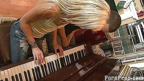 Kacey Jordan a blonde slut on deep throat love