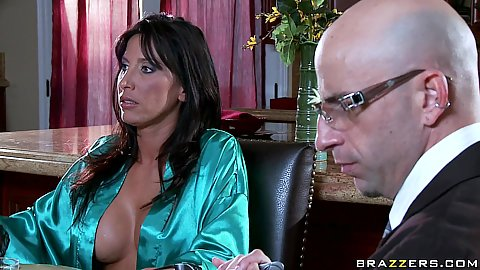 Mommy Got Boobs with Lezley Len