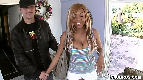 Ebony hottie preps for a blowjob
