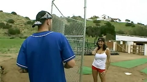 Hot babe comes for baseball practice