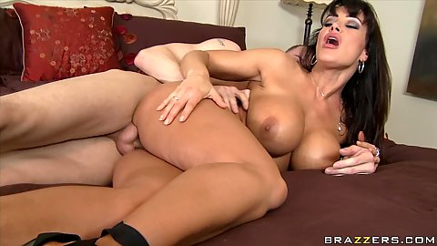 Sideways fuck and a cumshot on lisas big tits