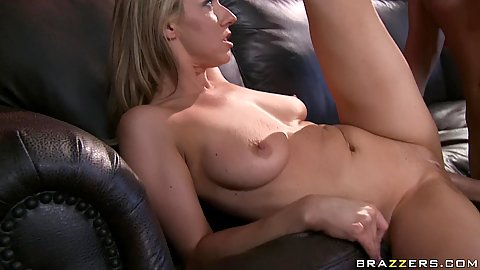 Milf puts cock between tits for a titty fuck