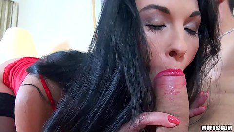 Hot brunette babe blowjob and pussy licking