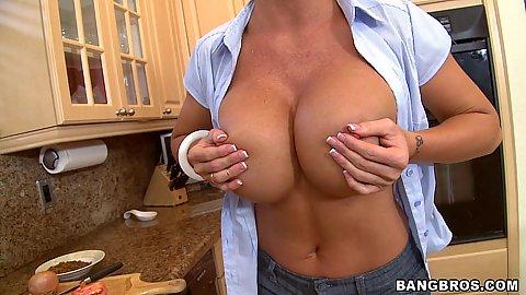 Big tits milf ok fine huge tits milf in the kitchen