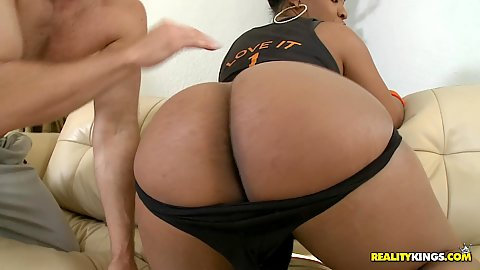 Big round black ass babe Aryanna stripped