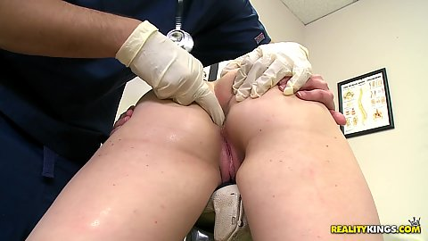 Schoolgirl volunteers for pussy exam for a ntoe