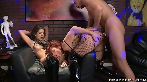 Jynx anal fucked with ass in fishnets