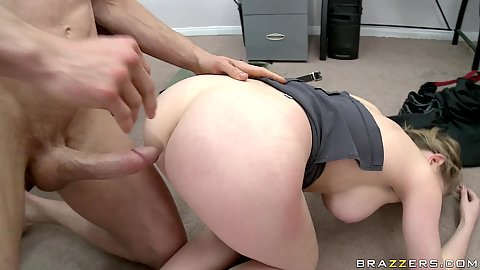 Doggy style with the help of Kagney ass psreading