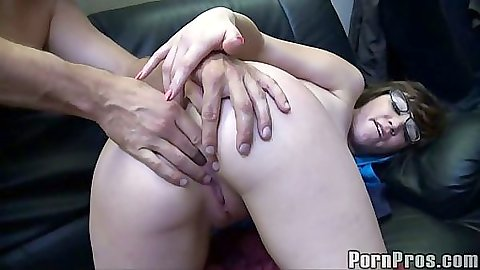 Teen close up spread ass for fucking