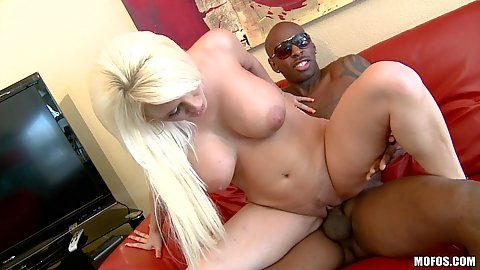 Milf humps large black dick and then sucks