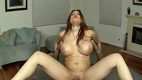 Milf screams as her asshole is ripped