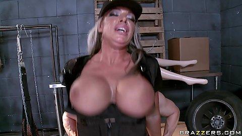 Reverse cowgirl big tits fucking army babe Carmen
