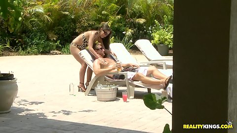Milf hunter outdoors with Jennifer Lynn oiling up