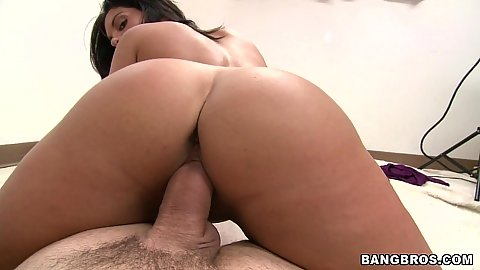 Baily Bam and Bella Reese fucking 3some