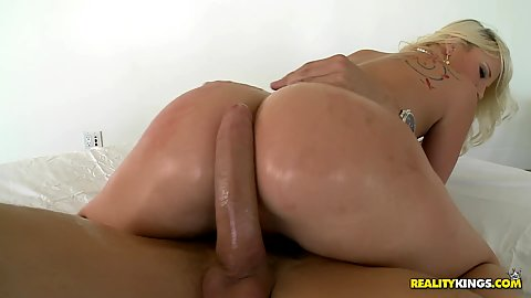 Round ass Kimmy humping cock cowgirl style