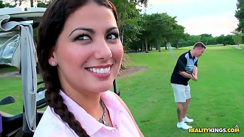 Milf hunter going on the golf course