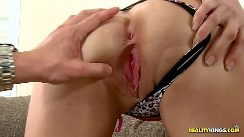 Cumfiesta hottie lets her pussy get fingered