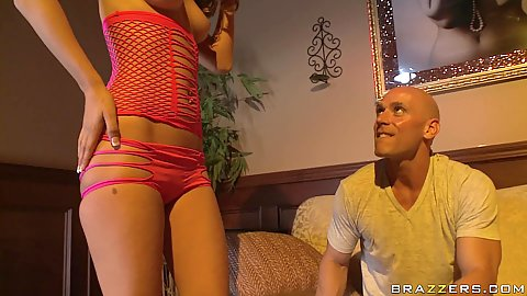 Private room with exotic dancer Presley