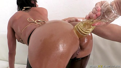 Franceska gets oiled ass and hand anal fingering