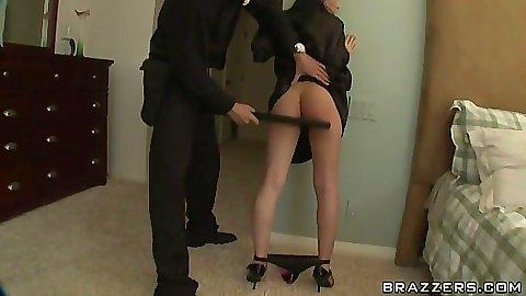 Rebeca Linares has to fuck cop to get off charges