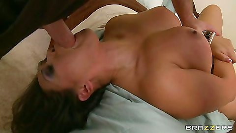 Asian pornstar Jessica Bangkok gets rough deep throat