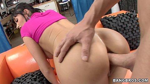 Eva Karera anal fucking into tight milf ass