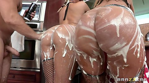 Blowjob from Nikki and Phoenix with whip cream