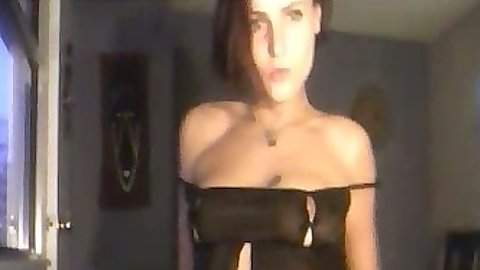 JesseQuinn a hot amateur milf undressing on solo home cam video