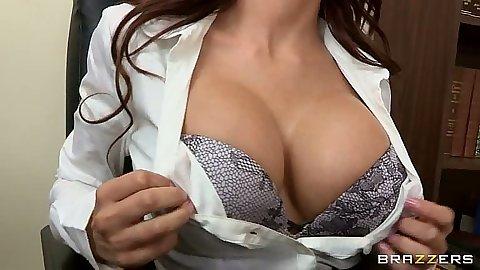 Aleksa Nicole showing her bra at the office seducing worker