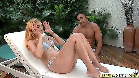 Nice ass latina Aysla Brasil gets her ass oiled up nice n wet