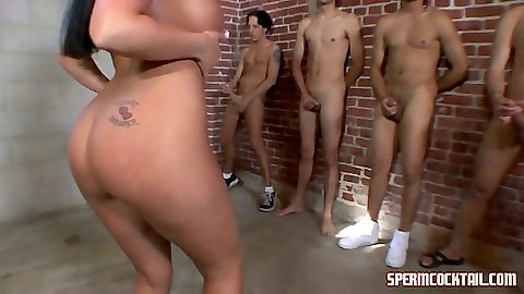 Nice round ass Richelle Ryan choosing a cock to suck