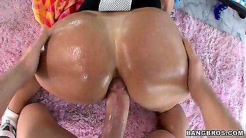 Tiffany Mynx props up her ass for doggy style anal with oil and pov view