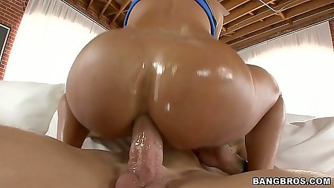Juicy round milf ass Lisa Ann sitting on cock anal cowgirl fuck