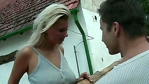Blonde super hot babe Venus comes to a farm