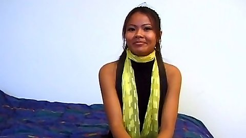 Asian amateur Swanny comes in  for her shy first video