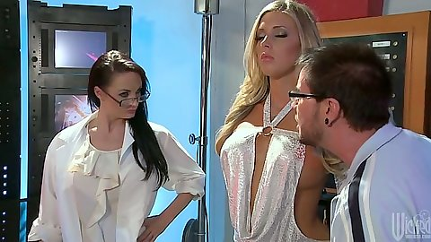 Big tits Samantha Saint creating a robot for sex in a lab