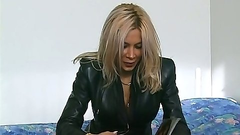 First time sex video with milf Morgane Gole in an interview