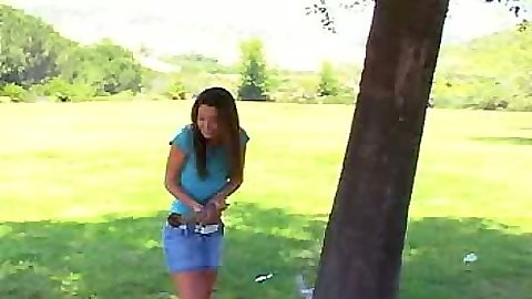 Chloe18 goes to masturbate in the park all alone outdoors