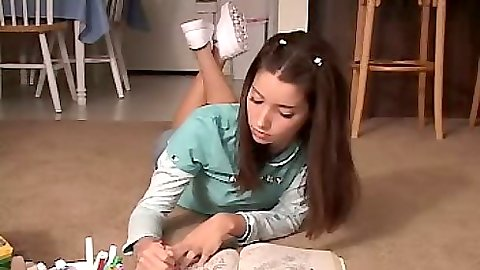 18 year old Chloe18 doing some coloring homework and sucking her penic