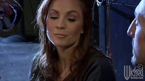 Brunette super ho babe Kirsten Price