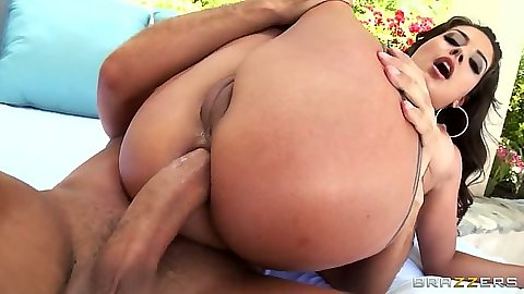 Reverse cowgirl sex with latina Jynx Maze getting anal ass fucked with oil