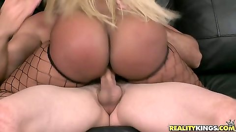Big ebony ass cock ride with reverse cowgirl action