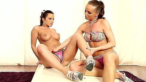 Big tits milf lesbian babe Cindy Dollar and Silvia Saint licking each other