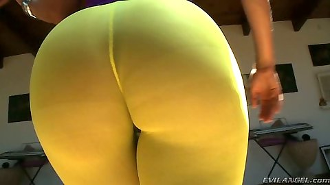 Big juicy ass in pantyhose with fishnet shaking round booty