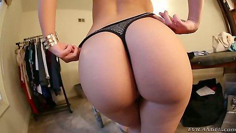 Great ass solo undressing from Melina Mason